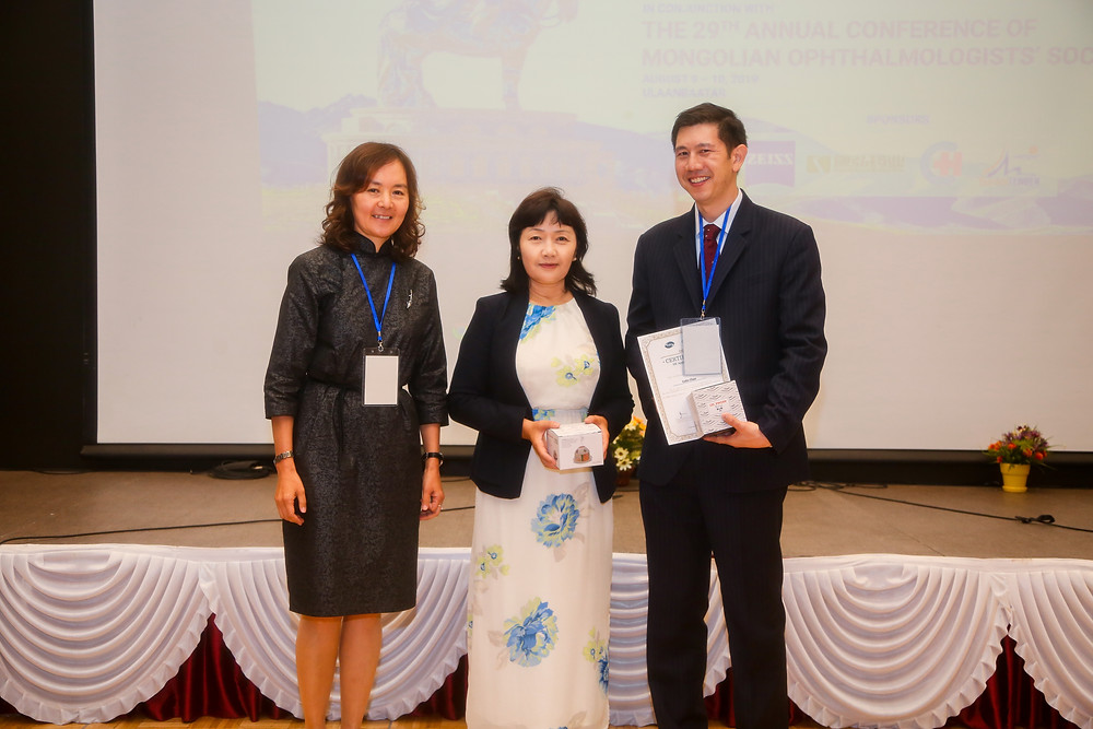 A/Prof. Chan with the Minister for Health and the President of the Mongolian Ophthalmology Society