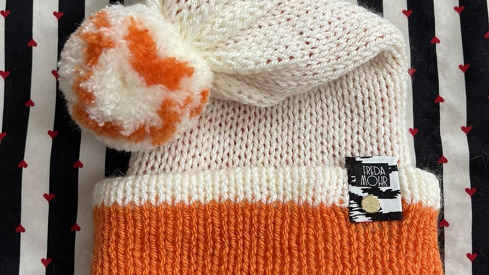 Slouchy Beanie in Orange Cream