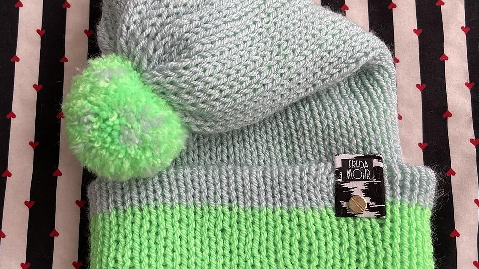 Slouchy Beanie in Sky Neon Green