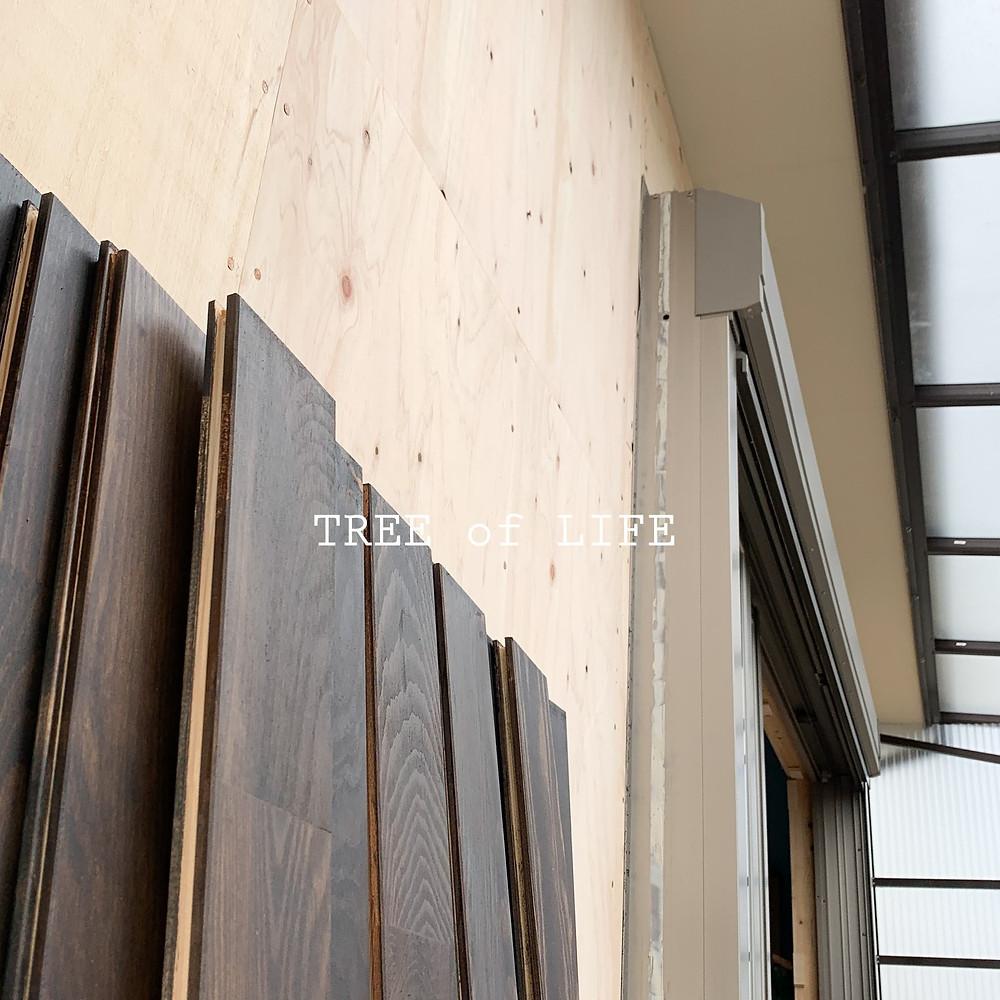 モミの木フローリング…塗料乾燥中