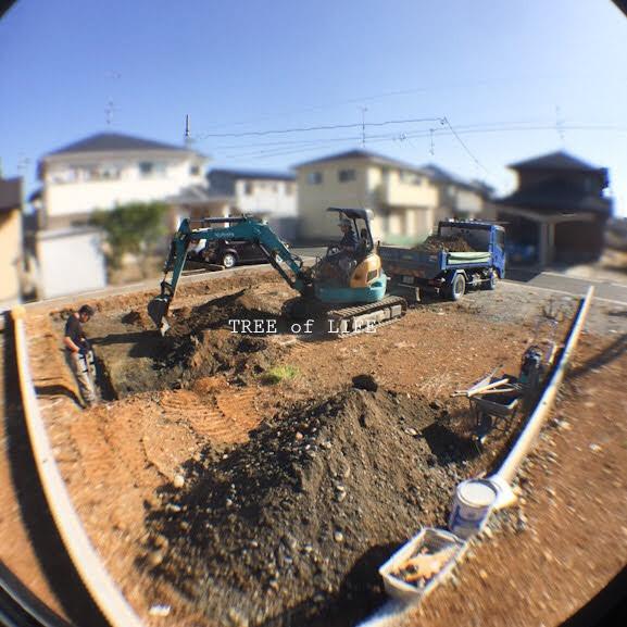 基礎工事開始です!