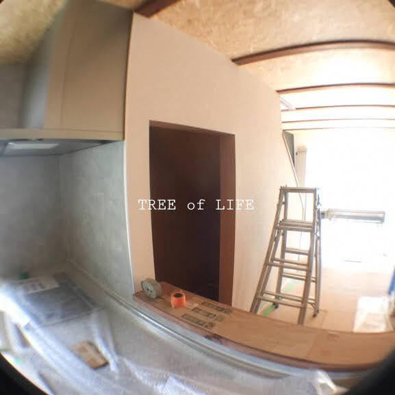 リビングと階段下収納