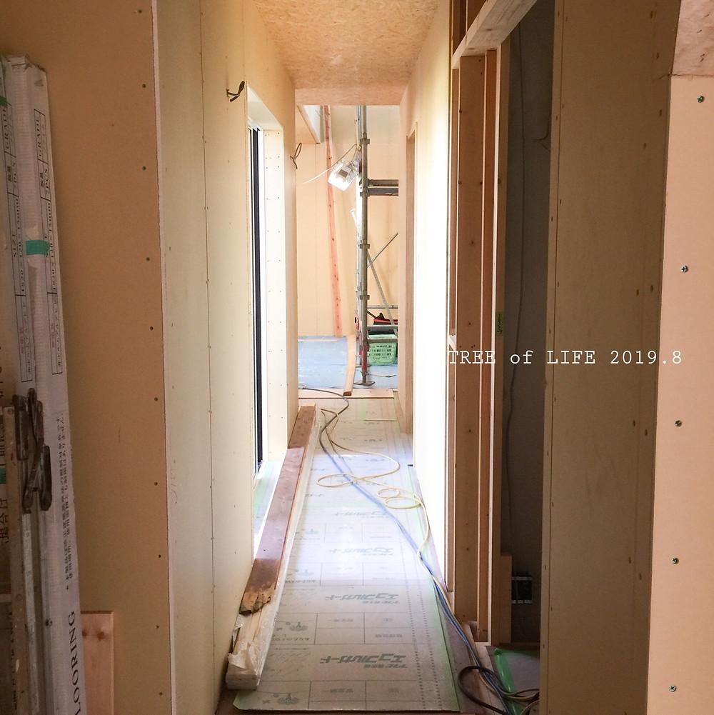 ①1階廊下