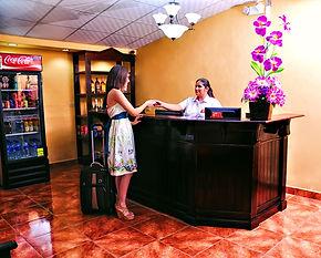 Recepción Hotel Camelot | San Miguel, El Salvador