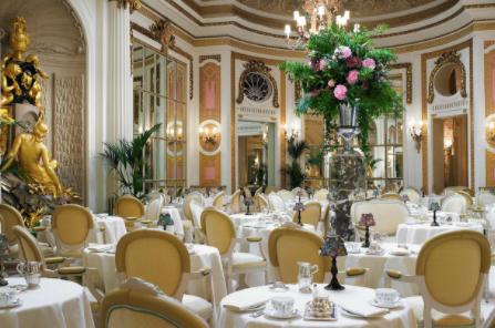 Femstjärniga hotellet The Ritz drabbas av dataintrång. Hackare låtsades vara anställd.