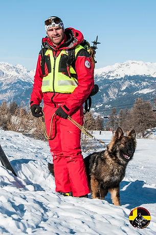 Maître chien d'avalanche Pompier Pro BriançonHautes-Alpes