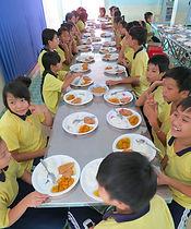 sud vietnam enfants des rues déjeuners g
