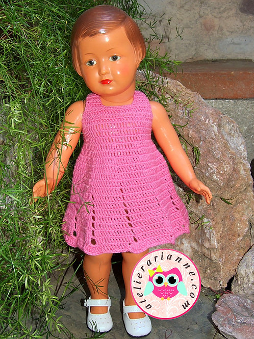 Robe au crochet pour poupée Françoise ou Marie-Françoise de Modes et Travaux