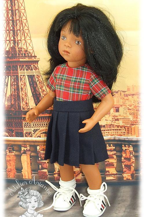 Jupe plissée et chemise pour poupée Minouche de 33 cm