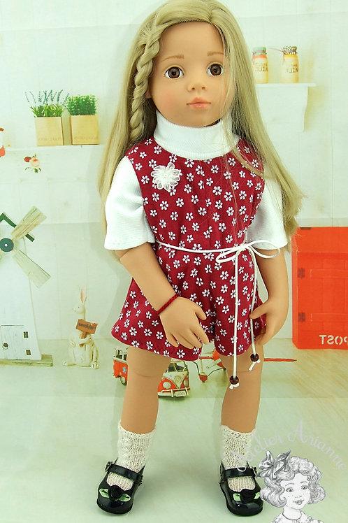 Tenue Marta avec fleur pour les poupées de 50 cm.