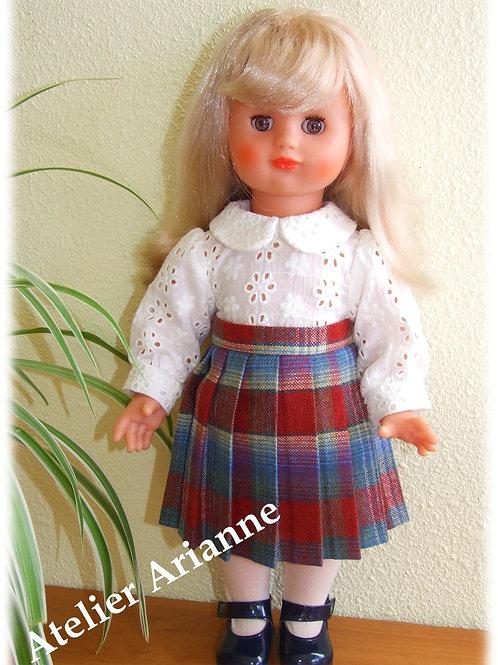 Chemise en broderie anglaise pour poupée Modes et Travaux  -Emilie