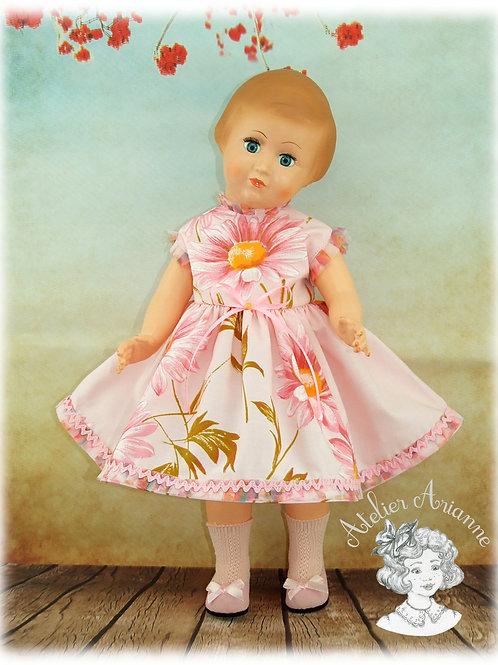 Coralie - Tenue poupées de Modes et Travaux