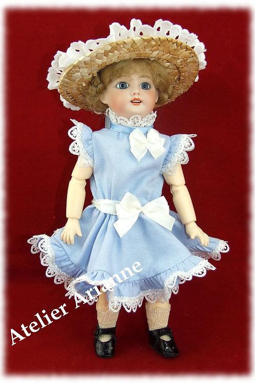 Février 1905 , Robe de maison, reproduction de tenue pour poupée Bleuette