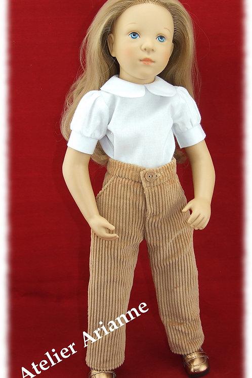 Pantalon pour poupée Finouche de Petitcollin couleur beige