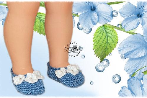 Réservé Chaussures poupée Modes et Travaux Françoise Bleues fleurs blanches