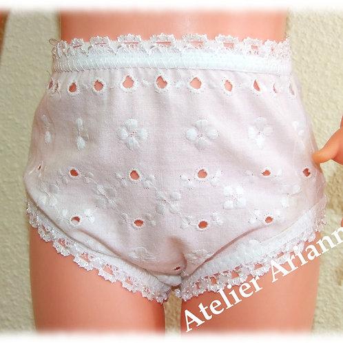 Culotte blanche broderie pour poupées Modes et Travaux: Françoise, Emilie etc...