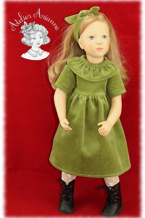Alicia robe et serre tête -Tenue pour poupée Finouche de Petitcollin