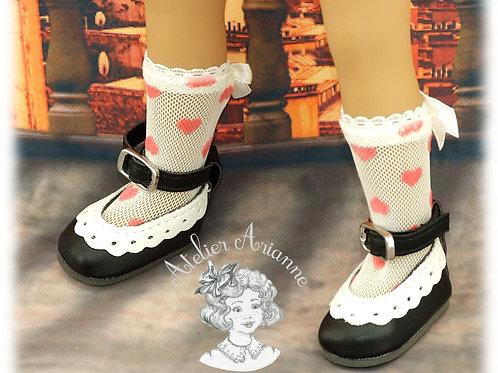 Chaussettes en dentelle cœurs roses pour poupée Little Darling
