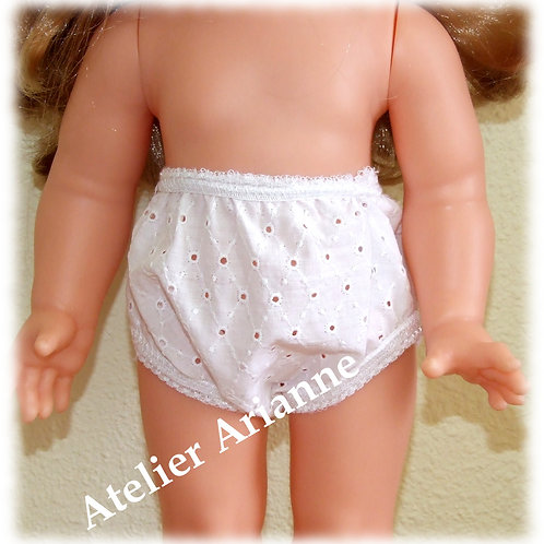 Culotte blanche broderie anglaise pour poupée Emilie Modes et Travaux