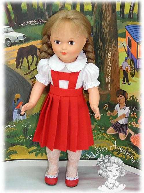 Jupe plissée avec bretelles pour poupée Marie-Françoise de Modes et Travaux