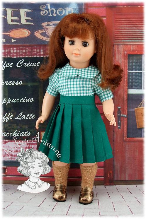 Jupe plissée avec bretelles et chemise pour poupée Marie-Françoise