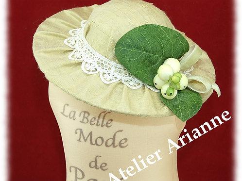 Chapeau Lucienne pour poupée Bleuette assorti a la tenue d'octobre 1915