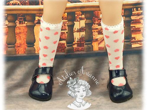 Chaussettes en dentelle cœurs roses pour poupée Maru