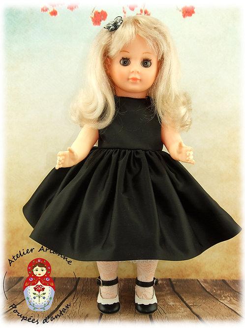 Petite robe noire  -Tenue pour poupée Marie-Françoise, Francette, Françoise