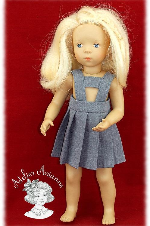 Jupe plissée avec bretelles pour poupée Minouche