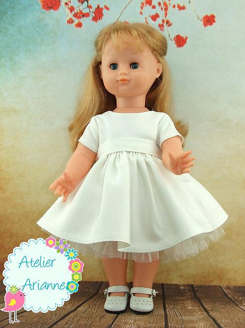 Décembre 1996 Tenue pour poupée Emilie Modes et Travaux