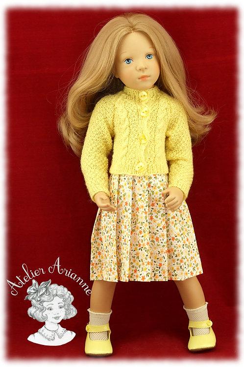 Anastasia Gilet et jupe plissée pour poupée Finouche