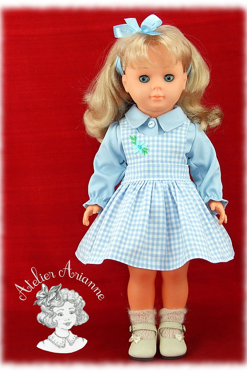 Tenue Mai 1981  pour poupée Marie-Francoise de Modes et Travaux