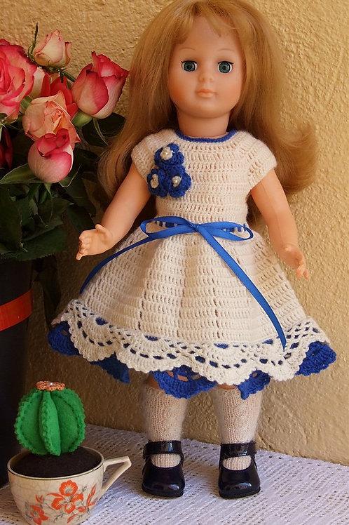 Tenue ''Sophie'' crochet bleue pour poupée Françoise Modes et Travaux