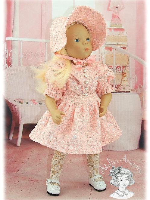 Décembre 1953 Tenue pour poupée Minouche 33 cm