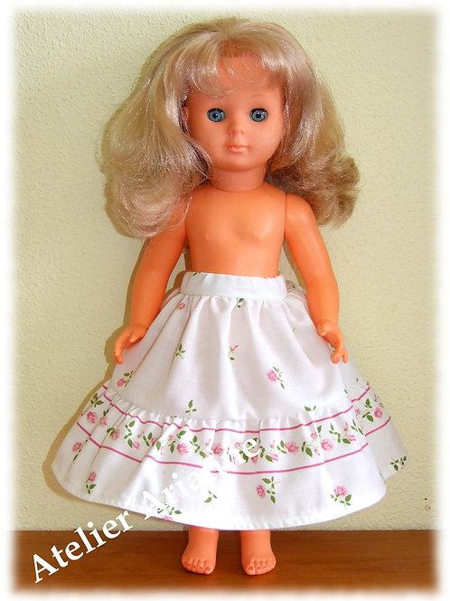Jupe ou jupon long pour poupée Françoise Modes et Travaux