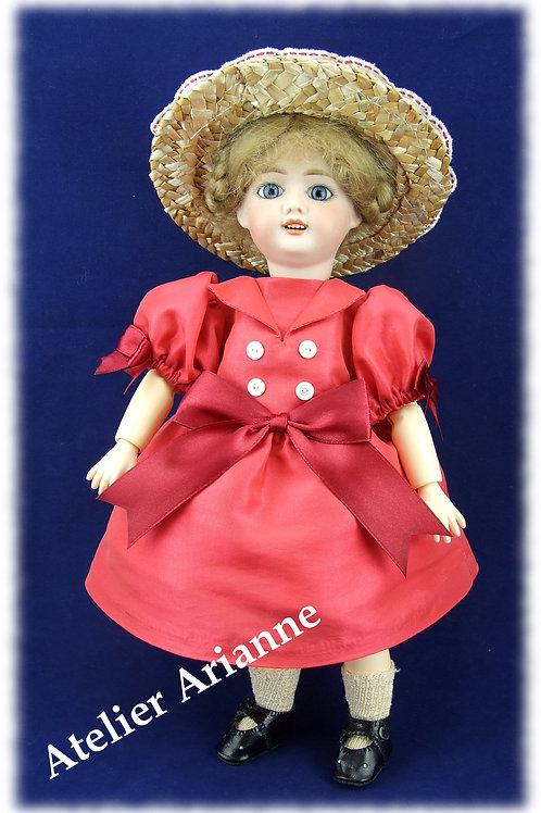 Mai 1908 , Robe Empire, reproduction de tenue pour poupée Bleuette