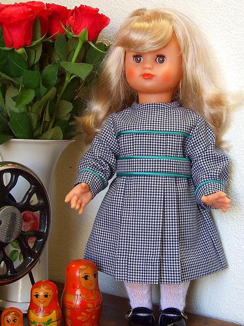 Tenue d'écoliere pour poupée Emilie Septembre 1987