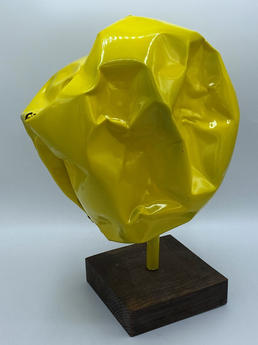 Boule jaune froissee.jpg