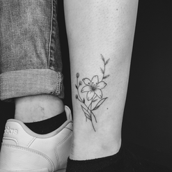 tattoo_fineline_flower.PNG