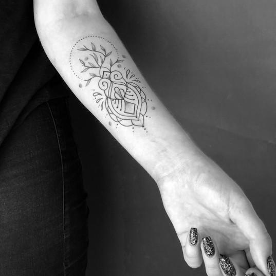 tattoo_ornament_unterarm.JPG