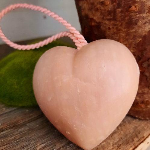 Savon cœur fleur de coton, à suspendre