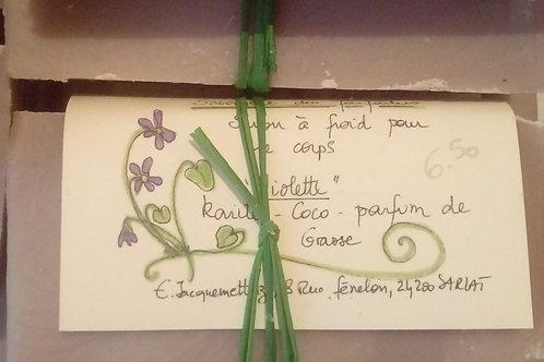 Savon parfumé à la violette