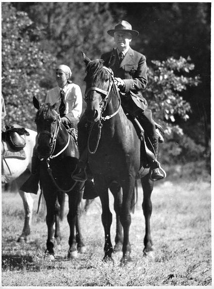 STM and Bertha Sept 7 1928 photo by J. V. Lloyd.jpeg