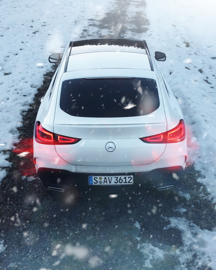 GLE C Drone Behind Winter Road-Bearbeite