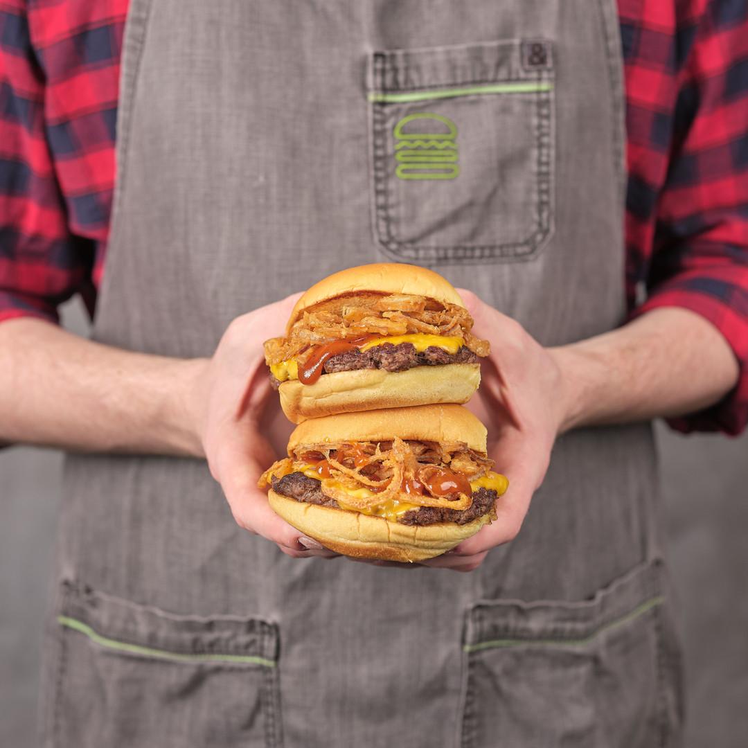 Burger Focus Still0216.jpg