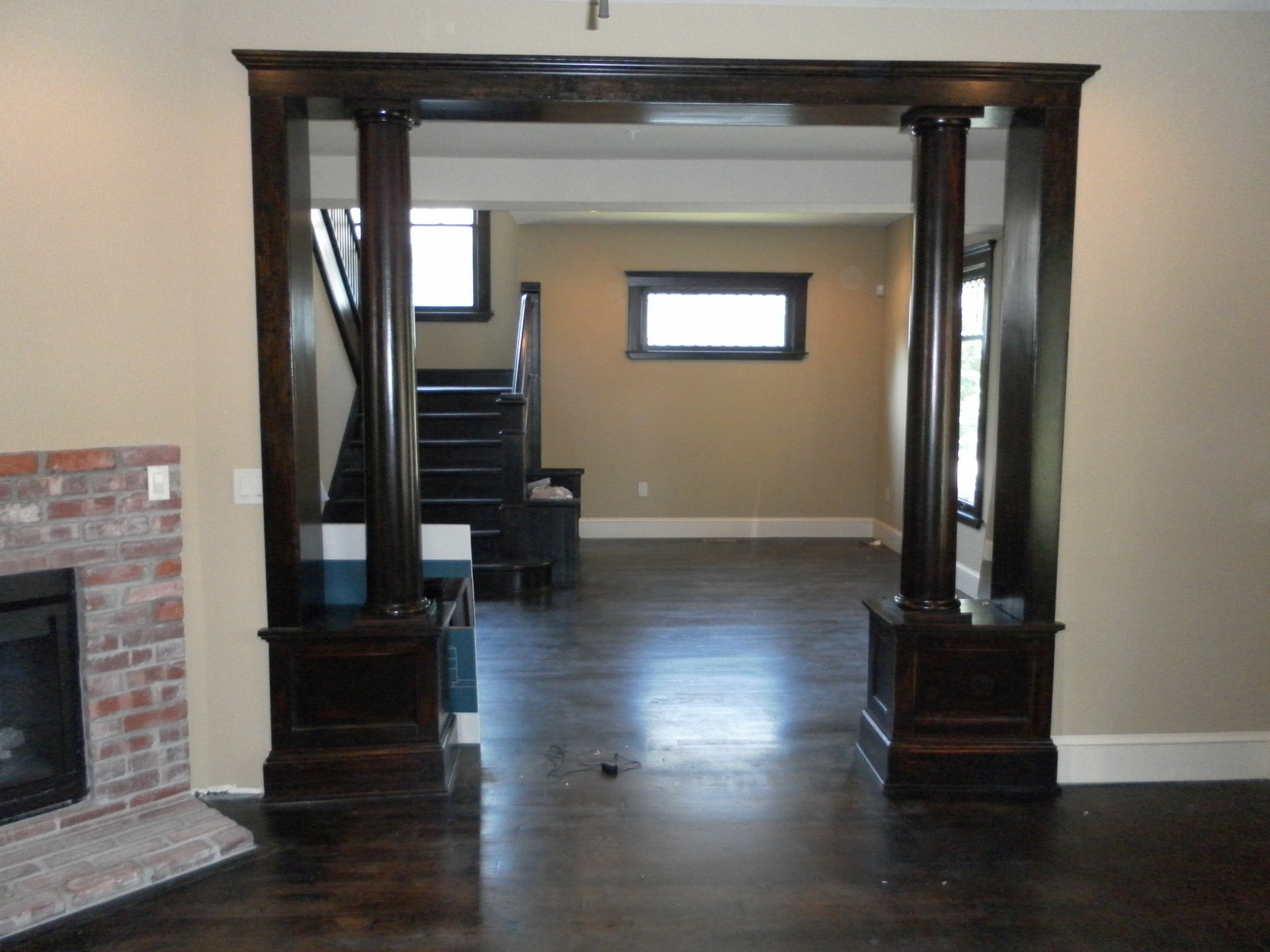 Living Area & Entry Way