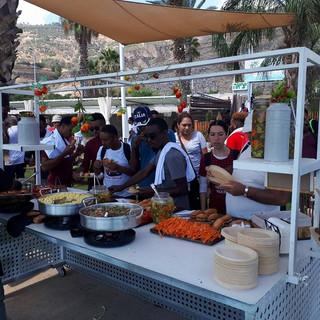 ארוחת דוכנים - סאות' ביץ' טבריה