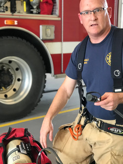 Lt Steve Maselli instructs the importance of a RIT bag