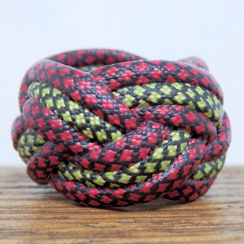 Red and Yellow Diamonds Small Paracord Woggle