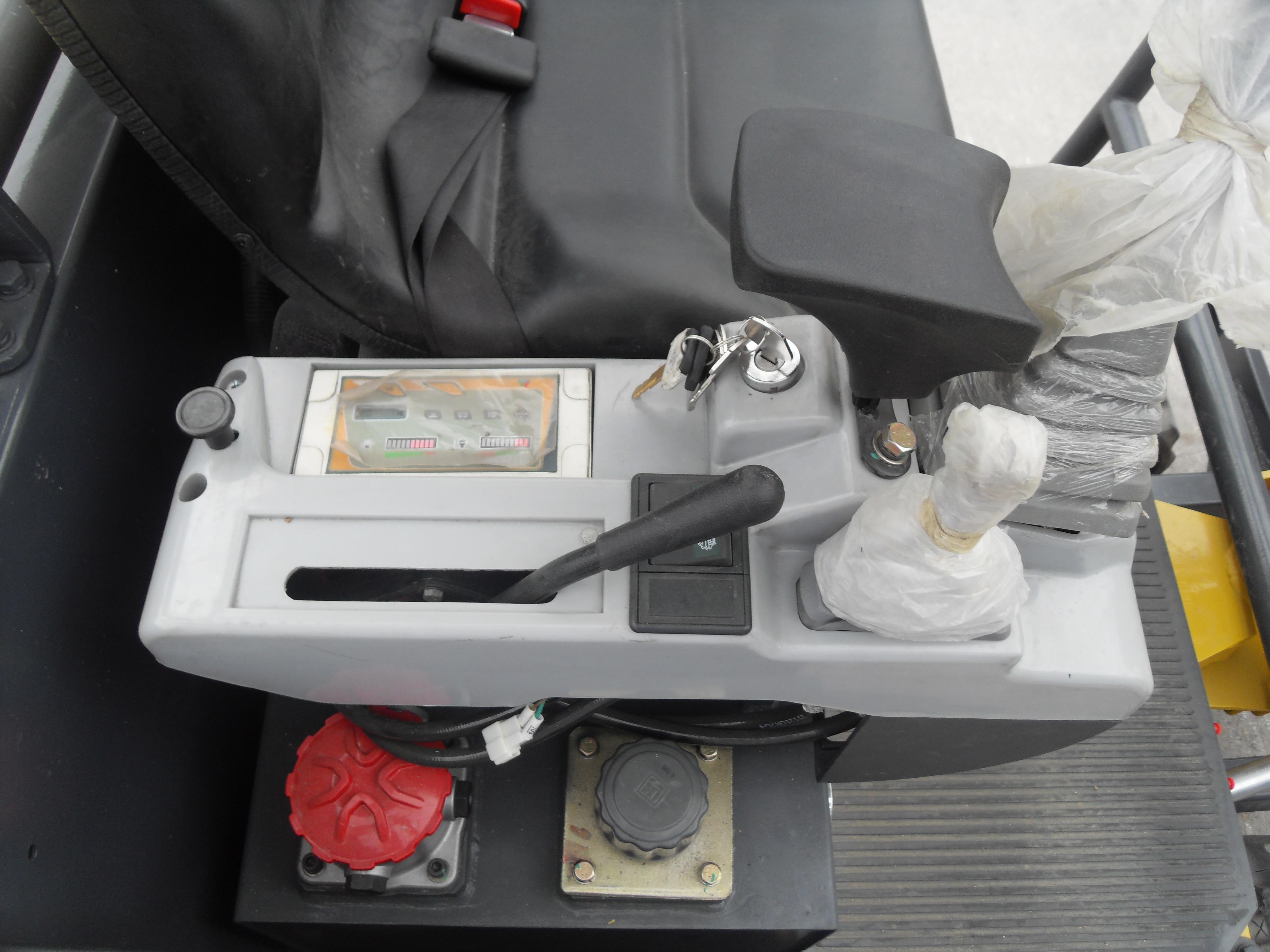 Intérieur cabine CLC 1.8T